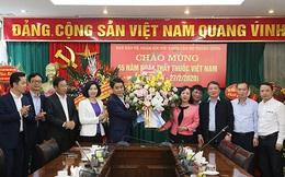Chủ tịch UBND TP Hà Nội chúc mừng các y bác sỹ nhân Ngày Thầy thuốc Việt Nam