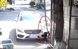 Dù có 20 năm kinh nghiệm lái ô tô, người mẹ vẫn bất cẩn tông xe vào con gái 8 tuổi chỉ vì một chiếc khẩu trang