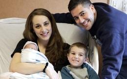 Sinh con thứ vào đúng ngày sinh nhật con lớn, cả nhà không tin nổi vì điều đặc biệt trong ngày sinh của 2 bé