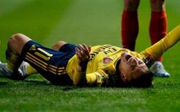 Đội bóng Anh bị gắn mác phi thể thao sau hàng loạt drama xấu xí: Cầu thủ phạm lỗi thô bạo, CĐV thì la ó, chửi rủa nạn nhân phải rời sân bằng cáng