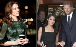 """Cùng đặt chân đến Ireland, Công nương Kate và em dâu Meghan khác nhau """"một trời một vực"""": Người đẳng cấp quý phái, người kém sang hơn"""