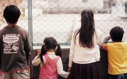 Mẹ chạy theo tình yêu mới, bỏ lại 5 con nhỏ trong căn nhà thuê và bi kịch khi cuối cùng cảnh sát chỉ tìm được 3 đứa trẻ còn sống