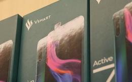 Smartphone của tỷ phú Phạm Nhật Vượng chính thức vượt Apple ở kênh bán lẻ