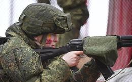 Video: Mãn nhãn trước kỹ năng chiến đấu của các nữ quân nhân Nga