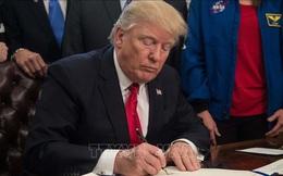 Tổng thống Trump ký ban hành luật cấm các công ty viễn thông Mỹ mua thiết bị của Huawei