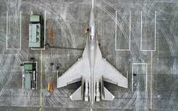 """Ngoài J-20, Trung Quốc trang bị """"áo tàng hình"""" mới cho loạt tiêm kích"""