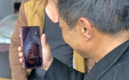 Con trai mất trí đi lạc 30 năm bất ngờ tìm được mẹ già 88 tuổi nhờ xem bản tin Covid-19