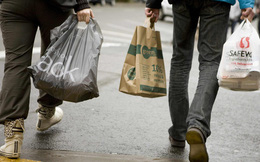 Nhật Bản: Các hãng thời trang bình dân thông báo sẽ sử dụng và tính phí với túi mua sắm thân thiện với môi trường