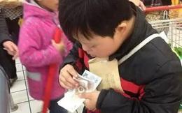 Con trai mua gói muối hết gần 200.000 đồng, ông bố nổi giận mắng nhân viên siêu thị