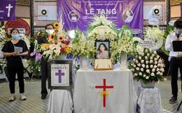 Gia đình đưa tiễn Mai Phương về nơi an nghỉ cuối cùng, giây phút xúc động trong tiếng khóc nghẹn ngào