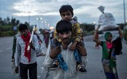 Ấn Độ phong tỏa toàn quốc, nam công nhân chết gục khi đi bộ 200km về nhà