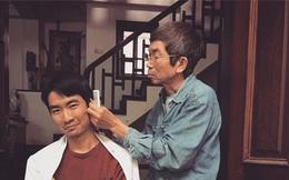 Kỉ niệm ngày đầu tiên ở nhà chống dịch, chàng trai 32 tuổi so tài cắt tóc cùng bố, tuy nghiệp dư nhưng kết quả thì ai cũng bất ngờ