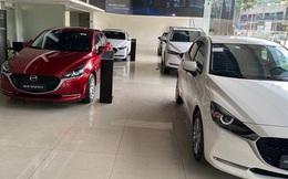 Nhiều mẫu xe mới xếp hàng chờ khách