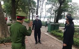 Hà Nội: Đủ cơ sở để xử phạt người ra đường khi không cần thiết