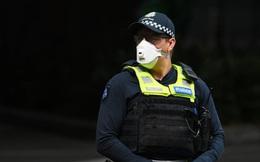 Úc phạt nặng người dân vi phạm luật chống Covid-19: Ngồi ăn bánh mỳ trên ghế đá cũng bị phạt hơn 14 triệu