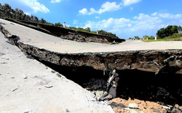 Hạn hán khủng khiếp, đường giao thông ở Cà Mau sụt lún, nứt toác