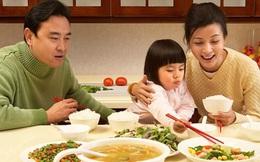 Vợ chồng trẻ thu nhập 10 triệu/tháng, sống giữa Hà Nội nhưng chỉ tiêu 3,8 triệu cho gia đình 4 người