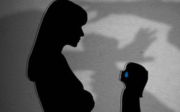 Cuộc đời địa ngục của bé gái 14 tuổi: Bị bố dượng xâm hại nhiều lần, mẹ ruột biết chuyện lại đánh và bảo con xin lỗi kẻ ác