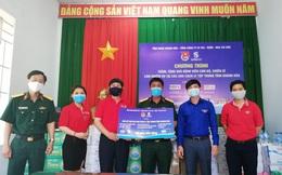 Khánh Hoà trao tặng quà hơn 500 triệu đồng cho bộ đội làm nhiệm vụ tại khu cách ly