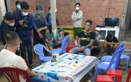 Nổ súng khống chế 38 người tụ tập đánh bạc ở Long An