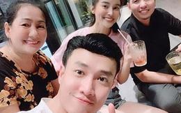 Cao Thái Hà bất ngờ xuất hiện trong tiệc sinh nhật mẹ Quốc Trường, phải chăng showbiz sắp có một cặp đôi mới?