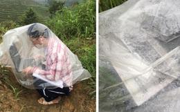 Nam sinh trùm áo mưa, leo đồi 10km bắt sóng học online: Được mời vào ủy ban nhưng từ chối vì lý do cách ly đặc biệt