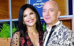 Sau gần 1 năm ly hôn ồn ào, không chỉ thăng hoa bên tình mới, tỷ phú Amazon còn lập thêm kỷ lục ngay trong thời điểm kinh tế toàn cầu lao đao