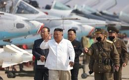 Ông Kim Jong-un xem MiG-29 Triều Tiên không chiến, tấn công mục tiêu