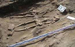 Giải mã bí ẩn về đôi tình nhân nằm cạnh nhau trong mộ cổ suốt 5.000 năm