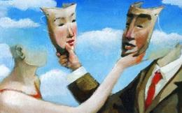 Kẻ giả tạo dùng miệng, người chân thành dùng tâm: Càng đạo đức giả, càng hay nói 4 'câu cửa miệng' này!