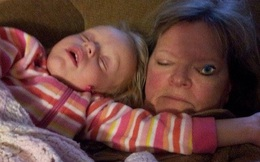 Nhìn vào loạt ảnh này mà hiểu chứng tỏ bạn có bố mẹ, anh chị em đều là những gương mặt ưu tú trong làng hài kịch