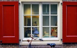 """""""Chúng tôi chẳng có gì phải che giấu"""": Câu chuyện về đất nước nói không với rèm cửa sổ, người lạ nhìn vào thoải mái cũng không sao"""
