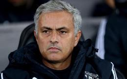 Học đồng nghiệp, Mourinho tranh thủ đi... ship rau chờ bóng đá trở lại