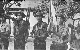 Người phất cờ giải phóng tại Dinh Độc Lập