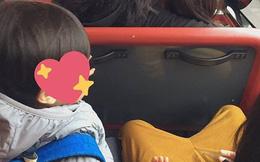 """Đi xe bus cùng mẹ và chị gái, cậu nhóc 3 tuổi bất ngờ làm một hành động khiến mọi người xuýt xoa: """"Bé mà ngoan!"""""""