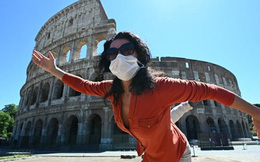 Italia nới lỏng phong tỏa, người dân hò reo vui mừng