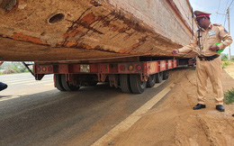 Xe chở thuyền dài 28 mét lên đèo Bảo Lộc bị phạt hơn 90 triệu đồng