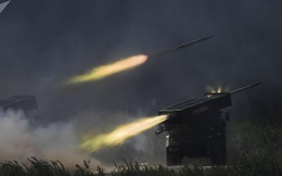 """Quân đội Nga nhận pháo phản lực tầm xa nhất thế giới, """"quét sạch mọi sinh vật"""""""