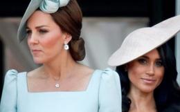 Được hoàng gia Anh ưu ái nhưng Công nương Kate vẫn bị chê thua kém em dâu Meghan Markle ở điểm này