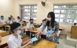 Nắng nóng gay gắt, trường học băn khoăn được bật hay tắt điều hòa