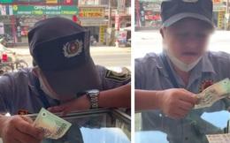 Bác bảo vệ cầm 500 nghìn năn nỉ mua cho bằng được chiếc iPhone và những hành động kỳ lạ khiến dân mạng tranh cãi