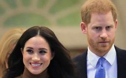 Harry bán đồ vật yêu quý trị giá hơn 1 tỷ đồng trước khi rời hoàng gia chỉ để Meghan được vui, có mấy ai làm được điều này