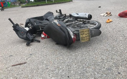 Va chạm với xe đầu kéo, 2 người đi xe máy tử vong tại chỗ