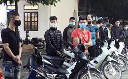 14 đối tượng đi xe máy bốc đầu, lạng lách bị khởi tố