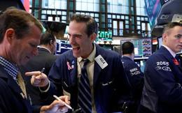 Số đơn trợ cấp thất nghiệp tiếp tục tăng, Dow Jones vẫn tăng gần 400 điểm, kết thúc chuỗi giảm điểm 3 phiên liên tiếp