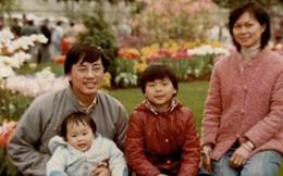 Từng đi rửa bát thuê và bị chủ đánh đòn vì ngủ gật, 30 năm sau cuộc đời cậu bé này thay đổi ngoạn mục nhờ món quà của bố
