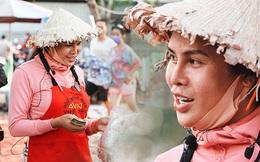 """Cát Thy - Nhờ cái miệng quá duyên mà trở thành """"Diva"""" với hàng bánh tráng trộn nổi nhất Sài Gòn, mỗi ngày có hàng trăm người đến tìm để quay hình, chụp ảnh"""