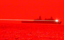 Hải quân Mỹ thử nghiệm thành công vũ khí laser, hạ gục UAV giữa đêm