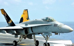 """Tiêm kích hạm đa năng F/A-18 lại """"sốt"""" trở lại?"""