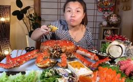 Mừng 3 triệu sub, Quỳnh Trần JP chơi lớn với mâm hải sản cua hoàng đế nặng hơn 6kg và hàng loạt món siêu đắt